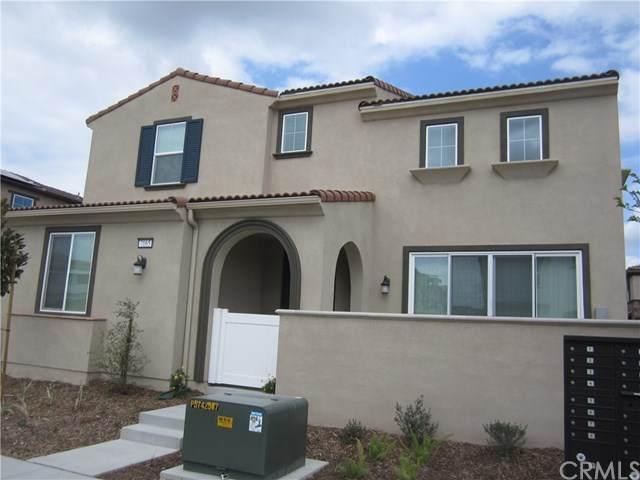 7065 Montecito Lane, Eastvale, CA 92880 (#302488925) :: Keller Williams - Triolo Realty Group