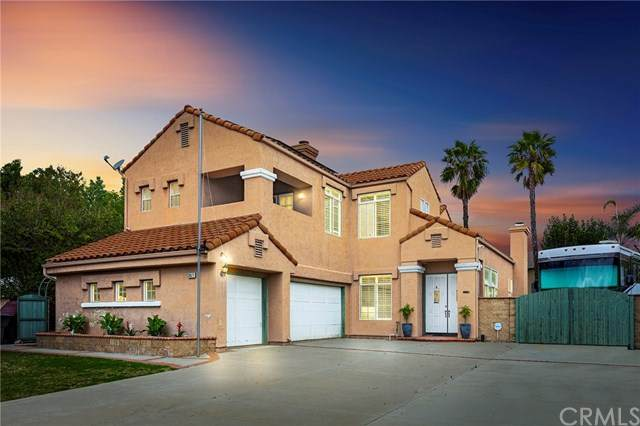 39671 Corte Santa Barbara, Murrieta, CA 92563 (#302489280) :: Whissel Realty