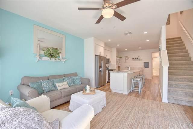 1530 W 1st Street #20, Santa Ana, CA 92703 (#302516681) :: COMPASS
