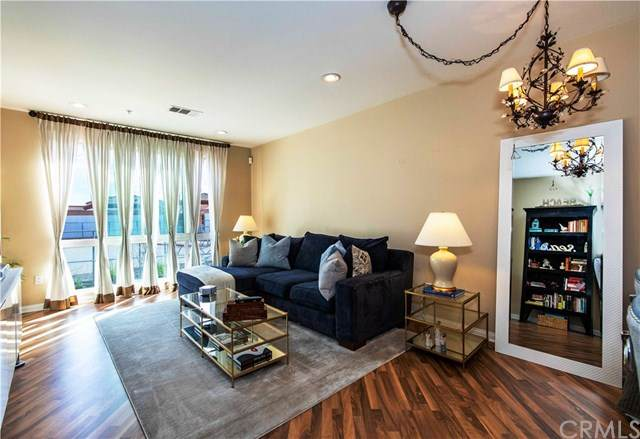 3887 Pell Place #229, San Diego, CA 92130 (#302532126) :: Wannebo Real Estate Group