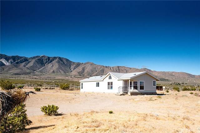 9420 Syracuse Road, Lucerne Valley, CA 92356 (#302532910) :: Whissel Realty