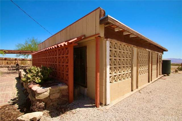 6827 Gopher Grove Road, 29 Palms, CA 92277 (#302535771) :: Yarbrough Group