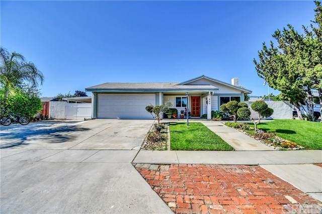 844 Camino Circle, Corona, CA 92882 (#302541508) :: COMPASS