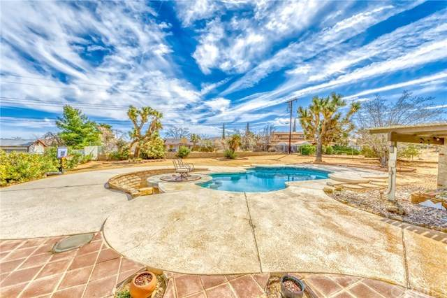 7383 Hanford Avenue, Yucca Valley, CA 92284 (#302543565) :: Keller Williams - Triolo Realty Group