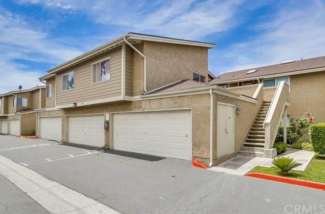 3934 W 5th Street #203, Santa Ana, CA 92703 (#302544531) :: COMPASS