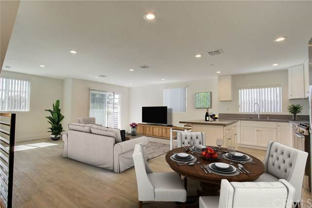2633 Hauser Boulevard, Los Angeles, CA 90016 (#302567519) :: Compass