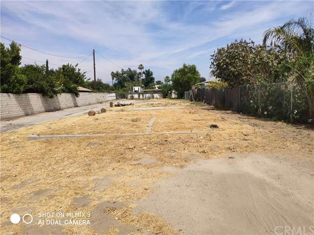 8037 Tippecanoe, San Bernardino, CA 92410 (#302573046) :: Compass