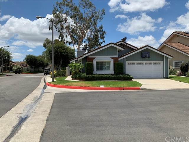 2642 N River Trail Road, Orange, CA 92865 (#302575414) :: Compass