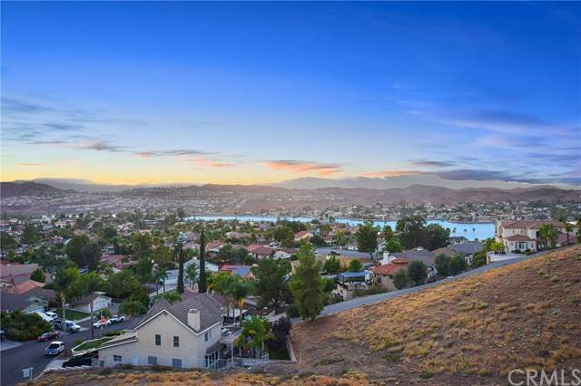 22960 Fawn Lake, Canyon Lake, CA 92587 (#302578137) :: Keller Williams - Triolo Realty Group