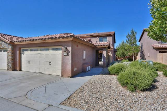 14158 Kiowa Rd #406, Apple Valley, CA 92307 (#302578876) :: Whissel Realty