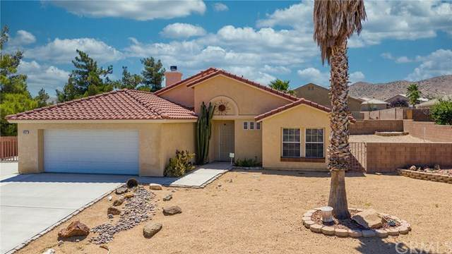 8531 Golden Meadow Drive, Yucca Valley, CA 92284 (#302580220) :: Whissel Realty