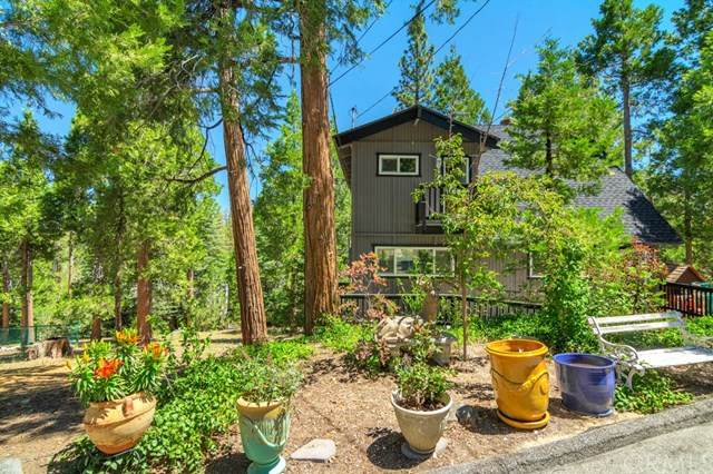 544 Pioneer Road, Lake Arrowhead, CA 92352 (#302580224) :: Whissel Realty