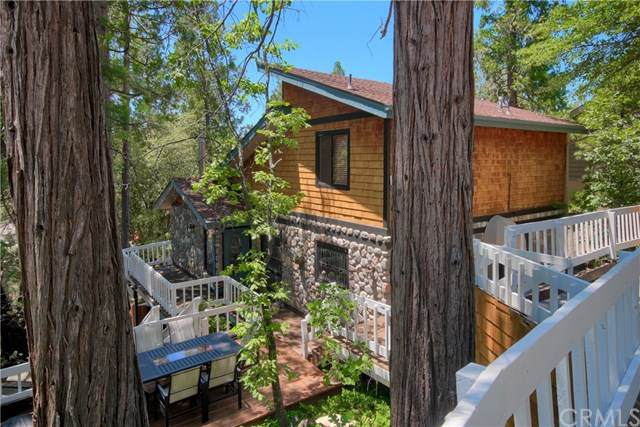 39650 E Idylwild, Bass Lake, CA 93604 (#302580761) :: Whissel Realty