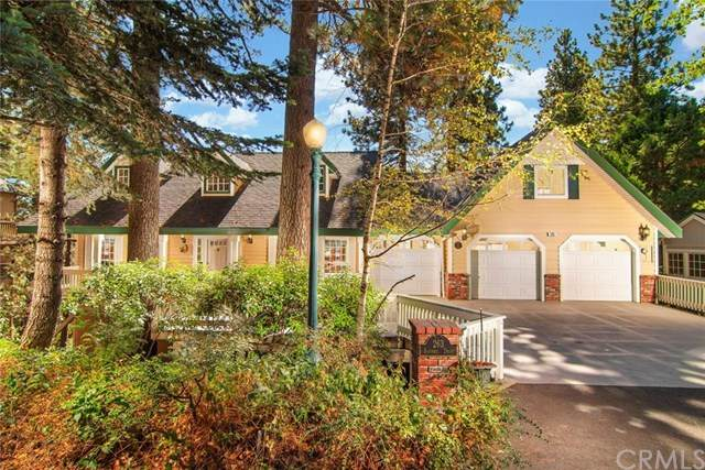 263 Squirrel Drive, Lake Arrowhead, CA 92352 (#302580856) :: Whissel Realty