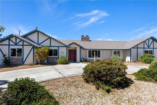 14655 Riverside Drive, Apple Valley, CA 92307 (#302581547) :: Whissel Realty