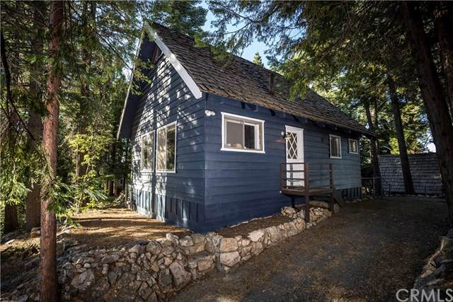 589 W Victoria Court, Lake Arrowhead, CA 92352 (#302584659) :: Cay, Carly & Patrick | Keller Williams