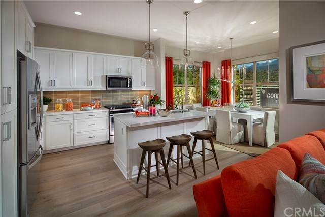 4240 Horvath St Way #101, Corona, CA 92883 (#302585360) :: Pugh-Thompson & Associates