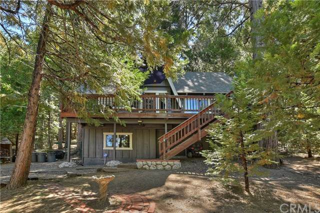 437 Golf Course Way, Lake Arrowhead, CA 92352 (#302586373) :: Whissel Realty