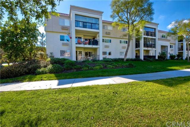 5518 Paseo Del Lago 1H, Laguna Woods, CA 92637 (#302587766) :: Yarbrough Group