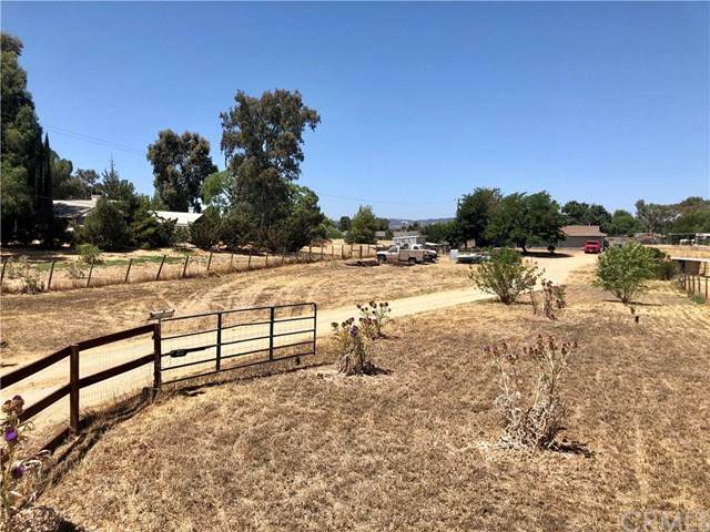 4825 Deer Creek Way, Paso Robles, CA 93446 (#302588903) :: Whissel Realty