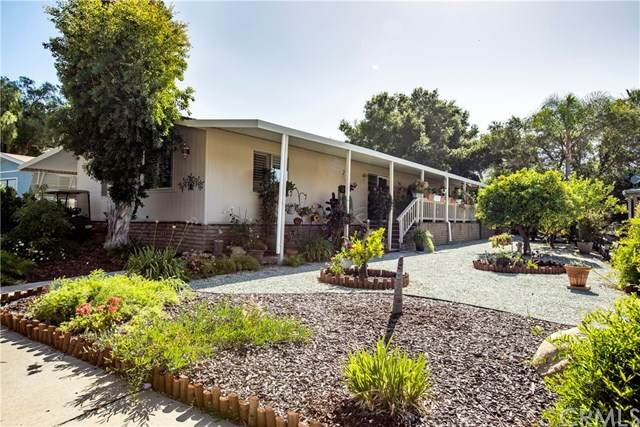 8975 Lawrence Welk Drive #412, Escondido, CA 92026 (#302589258) :: Whissel Realty