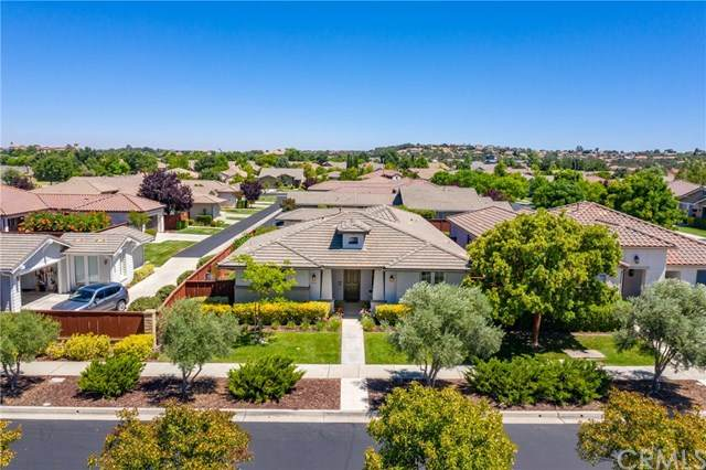 676 The Esplanade, Paso Robles, CA 93446 (#302589842) :: Whissel Realty