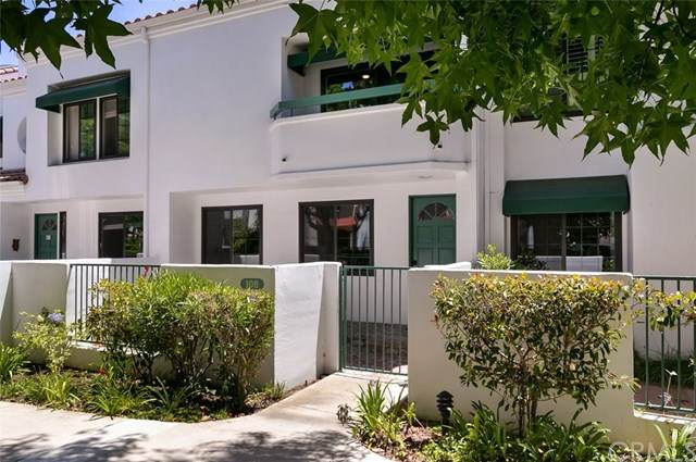 19521 Pompano Lane #108, Huntington Beach, CA 92648 (#302589879) :: Compass