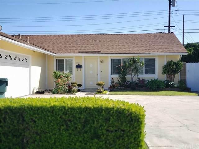 5562 Spa Drive, Huntington Beach, CA 92647 (#302590901) :: Whissel Realty