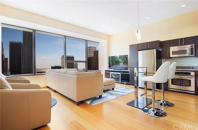1100 Wilshire Boulevard #3009, Los Angeles, CA 90017 (#302602899) :: Whissel Realty