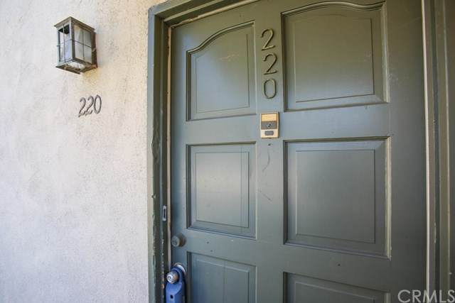 1001 W Stevens Avenue #220, Santa Ana, CA 92707 (#302607942) :: Whissel Realty