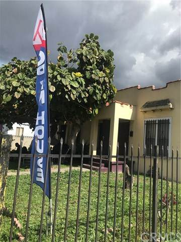 2754 S. Sycamore, Los Angeles, CA 90016 (#302609375) :: Whissel Realty