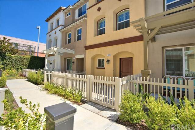 851 E Hollyvale Street, Azusa, CA 91702 (#302612056) :: Whissel Realty