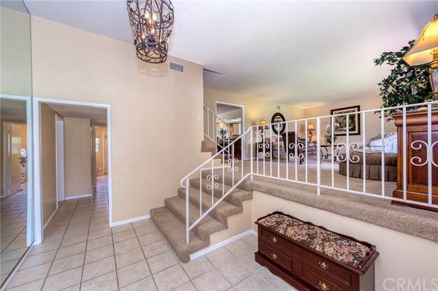 2365 W Silver Tree Road, Claremont, CA 91711 (#302612331) :: Whissel Realty