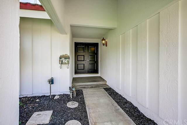 350 W Campus View Drive, Riverside, CA 92507 (#302613896) :: Whissel Realty