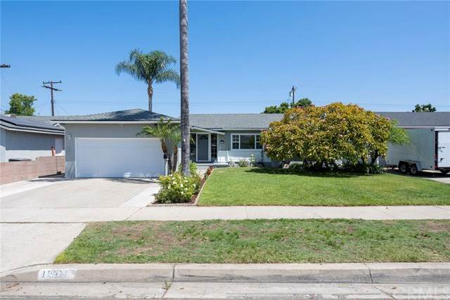 1231 E Monroe Avenue, Orange, CA 92867 (#302614452) :: Whissel Realty