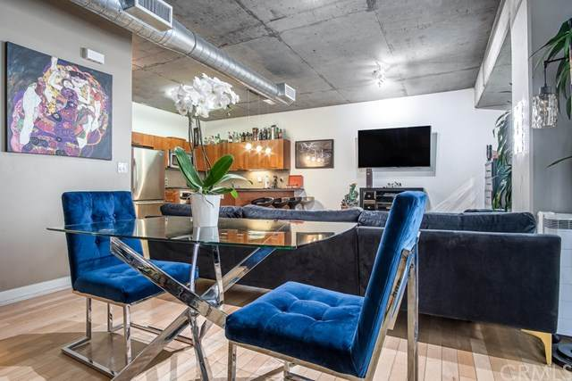 645 W 9th Street #334, Los Angeles, CA 90015 (#302615335) :: Whissel Realty