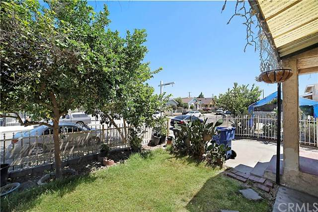 328 E 70th Street, Los Angeles, CA 90003 (#302615475) :: Whissel Realty