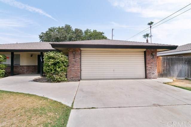 2004 Hasti Acres Drive, Bakersfield, CA 93309 (#302616979) :: Whissel Realty