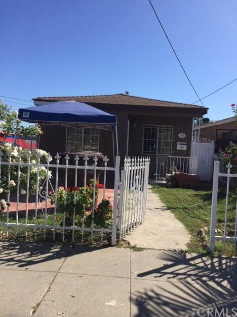 900 W Spruce Street, Compton, CA 90220 (#302617485) :: Whissel Realty