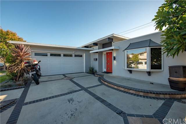 17421 Avalon Lane, Huntington Beach, CA 92647 (#302618337) :: Whissel Realty
