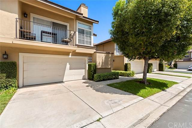 8009 E Goldenrod Lane, Anaheim Hills, CA 92808 (#302620139) :: Whissel Realty