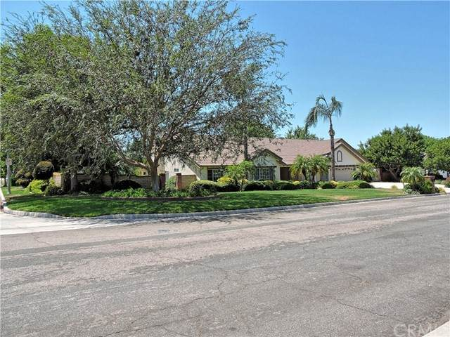 2640 Braden Place, Riverside, CA 92503 (#302620929) :: Whissel Realty
