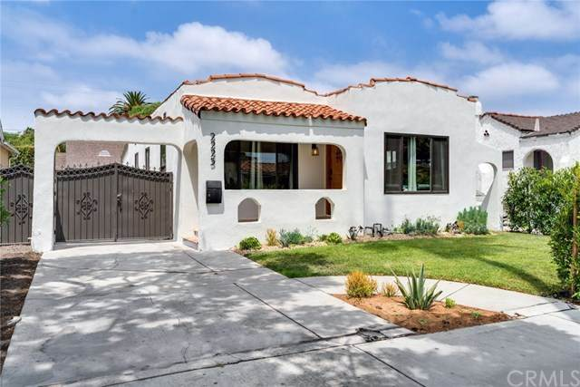 2225 S Mansfield Avenue, Los Angeles, CA 90016 (#302621164) :: Whissel Realty