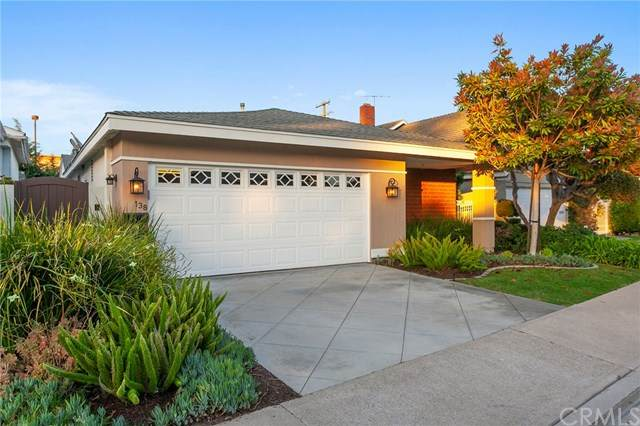 138 The Masters Circle, Costa Mesa, CA 92627 (#302621686) :: Whissel Realty