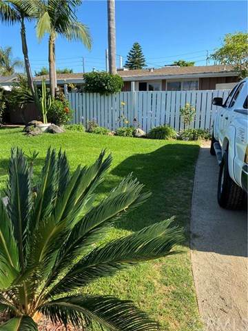 717 Center Street, Costa Mesa, CA 92627 (#302621699) :: Whissel Realty