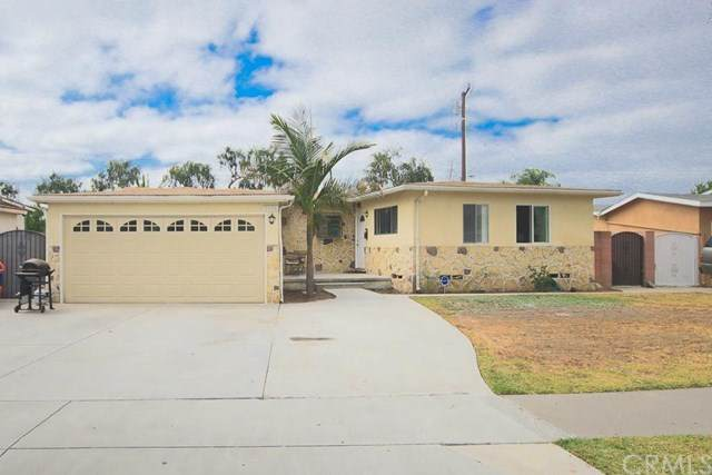 2136 W Ash Avenue, Fullerton, CA 92833 (#302621887) :: Whissel Realty