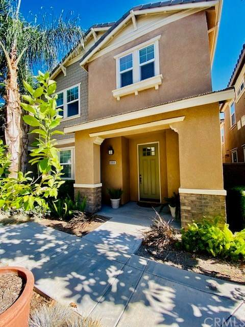 6060 Rosewood Way, Eastvale, CA 92880 (#302622755) :: Whissel Realty