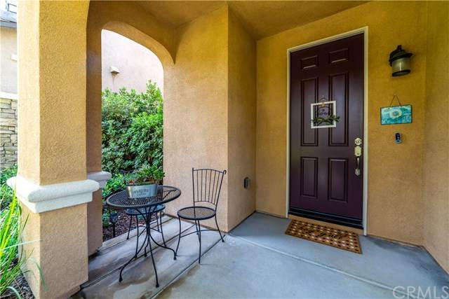 7047 Village Drive, Eastvale, CA 92880 (#302622840) :: Whissel Realty