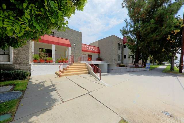 9227 Florence Avenue #13, Downey, CA 90240 (#302622841) :: Whissel Realty