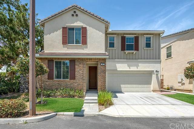 96 Shadowbrook, Irvine, CA 92604 (#302624626) :: Whissel Realty